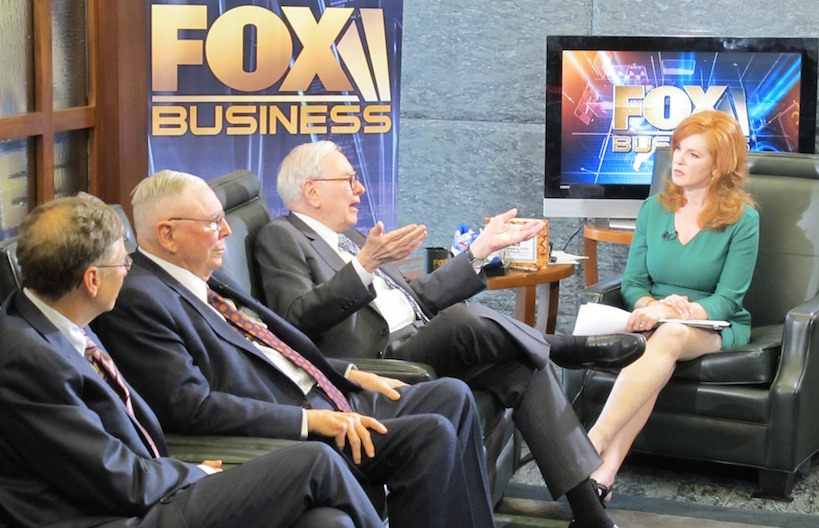 fbn s liz claman calls warren buffett way more fun than fellow