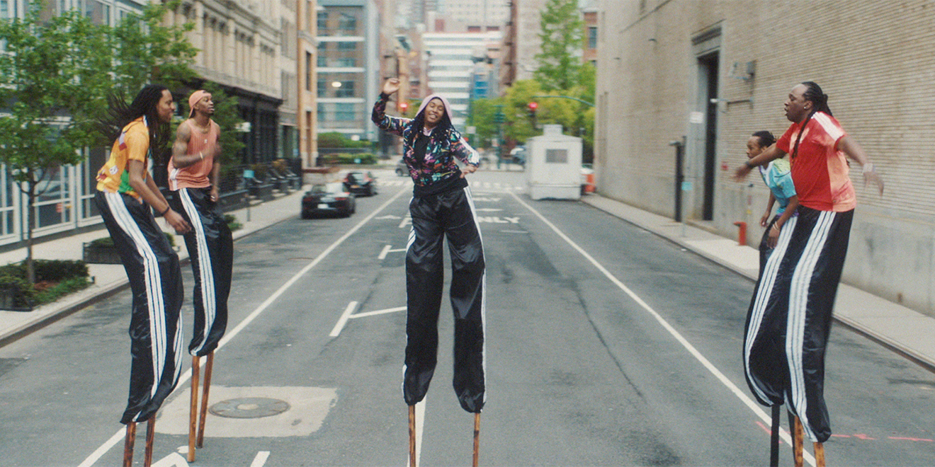cobertura Óxido Disponible  This Director Turned $5,000 Into an Outstanding Adidas Spec Ad
