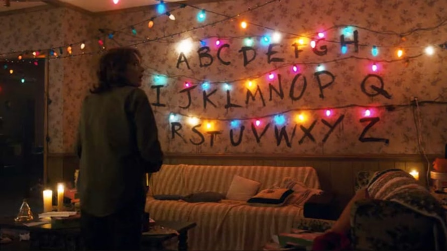 The living room in Stranger Things is shown.