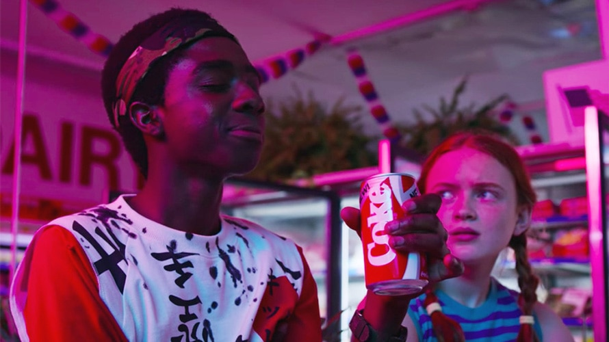 Lucas and Max drinking Coke in Stranger Things Season 3.