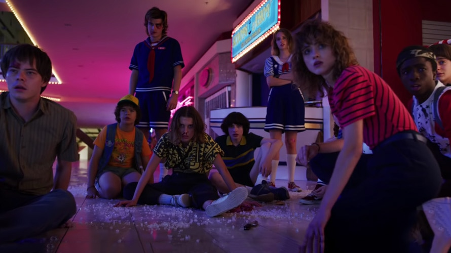 A shot of characters from Stranger Things Season 3 in a mall.