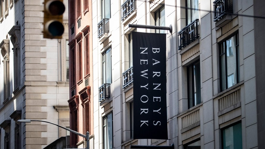 a sign that says barneys new york