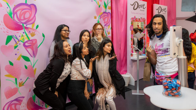 Mars Wrigley and Bumble Use Experiential to Embrace Galentine's Day