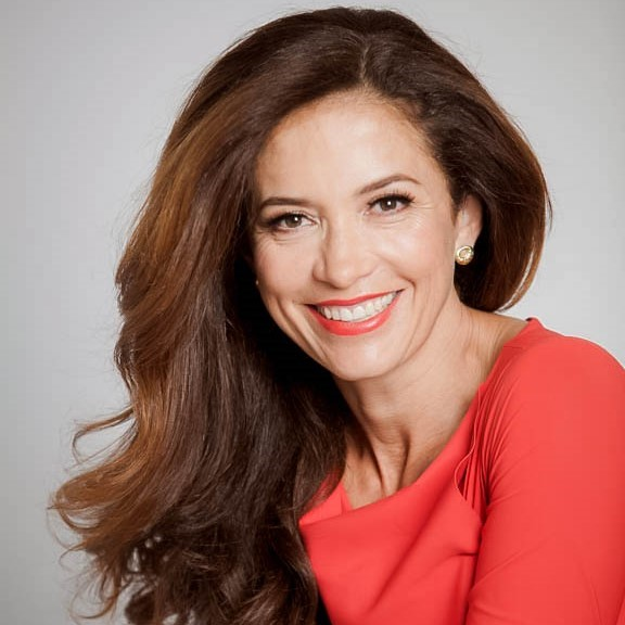 Headshot of Claudia Romo Edelman