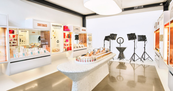 Beautycounter's New Store Is All About One of Retail's Biggest Trends for 2021