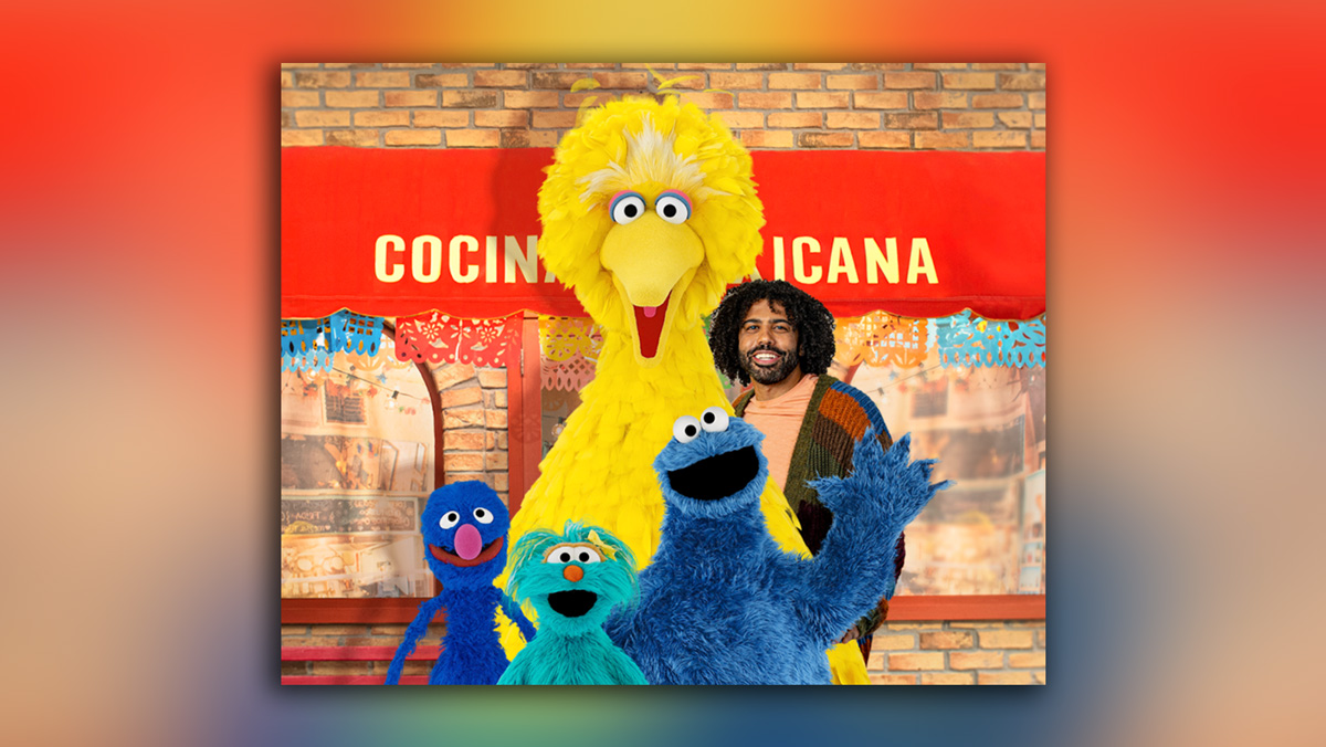 Image of Sesame Street characters and Daveed Diggs