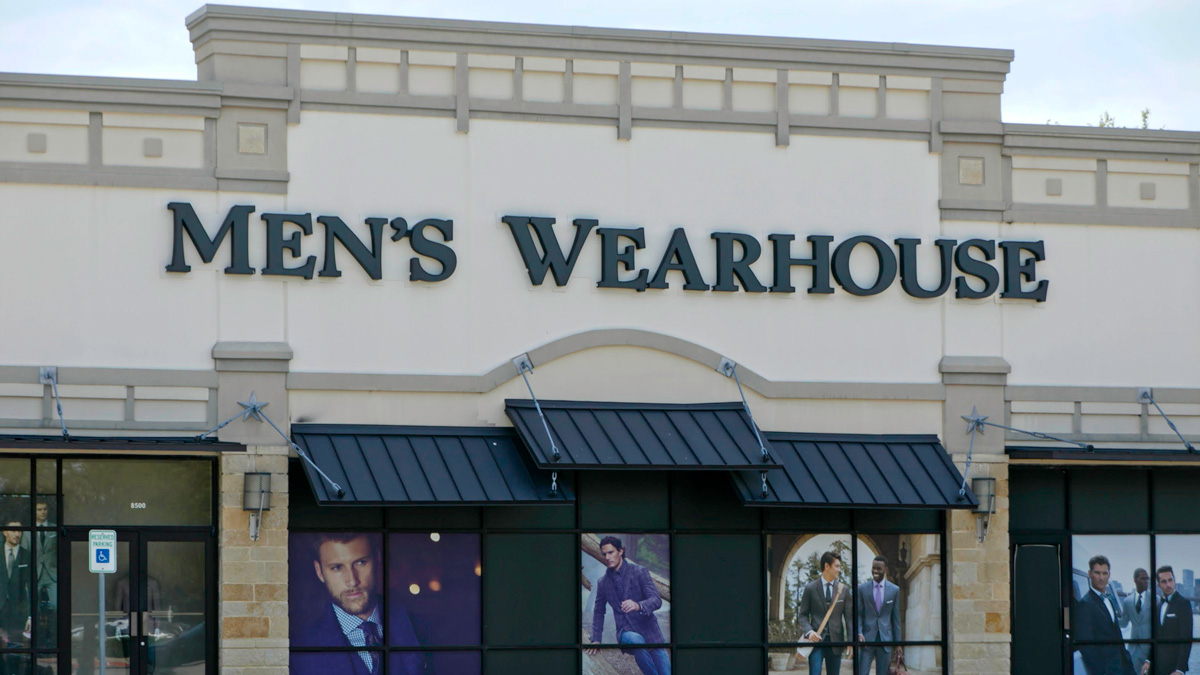 the front of a men's warehouse store
