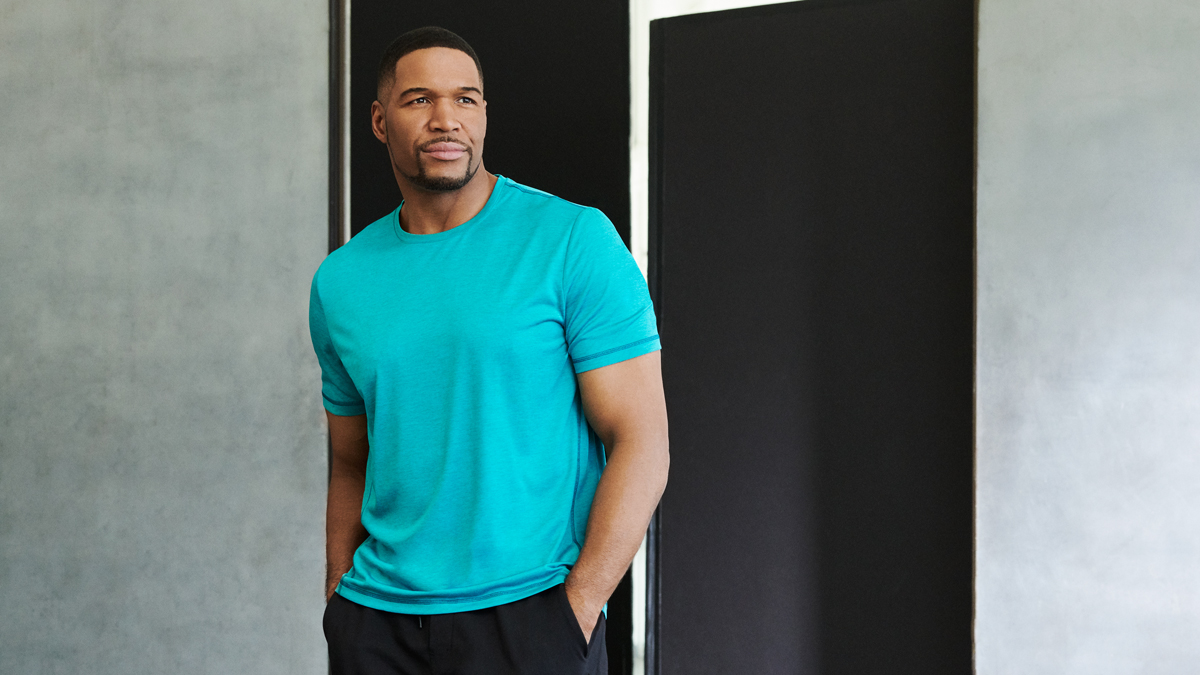 Michael Strahan and Men's Wearhouse have teamed up to offer