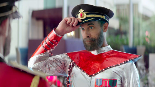 Ad character Captain Obvious appears in a Hotels.com ad