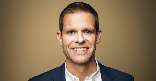 Chewy names Mark Eamer CMO