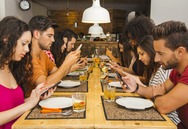 Are You Guilty of Mobile App Overindulgence? (Infographic)